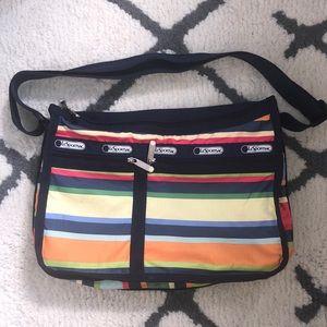 🌺 Vintage Lesportsac shoulder bag